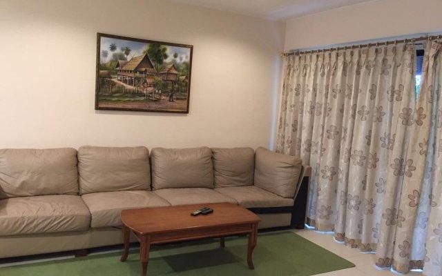 Отель Baan Somprasong Condominium комната для гостей