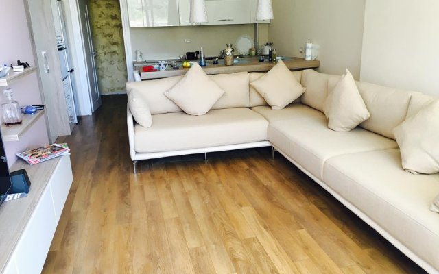 Апартаменты S. Efendi Apartment Дуррес комната для гостей