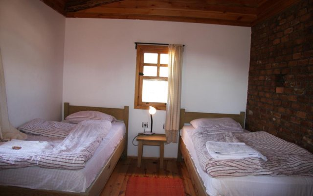Отель Blacktree Farm and Cottages комната для гостей