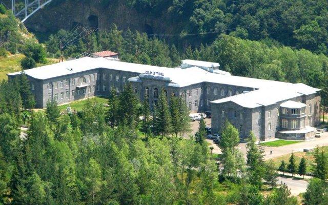 Отель Jermuk Olympia Sanatorium вид на фасад