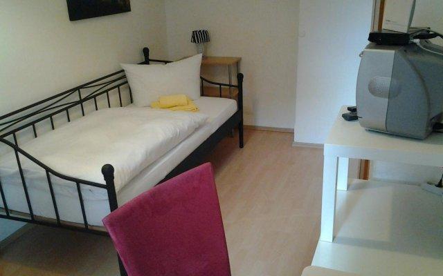 Отель Gabelsberger Apartment to share Германия, Нюрнберг - отзывы, цены и фото номеров - забронировать отель Gabelsberger Apartment to share онлайн комната для гостей