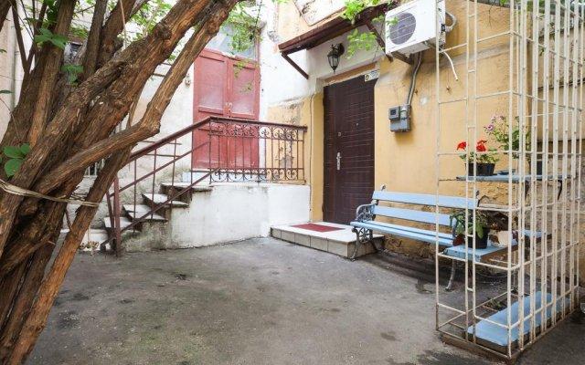 Гостиница Аппартаменты в исторической части Одессы вид на фасад