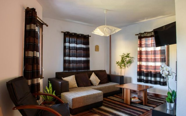 Отель Holiday home Kalina Болгария, Чепеларе - отзывы, цены и фото номеров - забронировать отель Holiday home Kalina онлайн комната для гостей