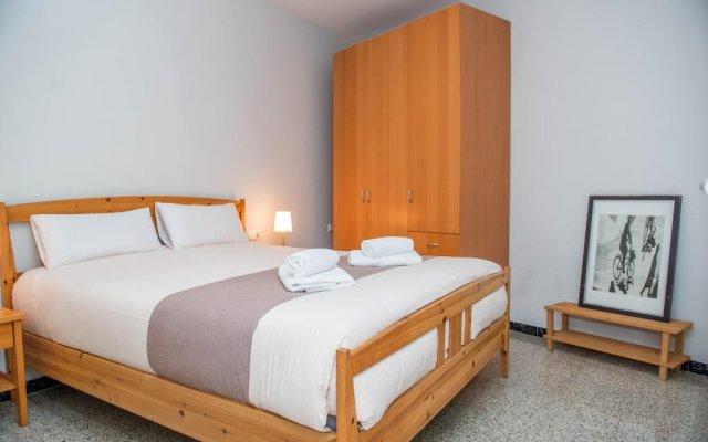 Отель Sunny and Quiet Sagrada Familia Барселона комната для гостей