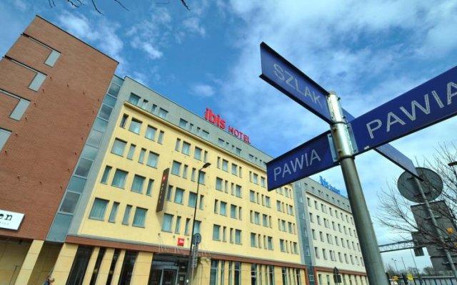 Краков забронировать отель рядом с вокзалом стоимость билета на самолет челябинск сочи