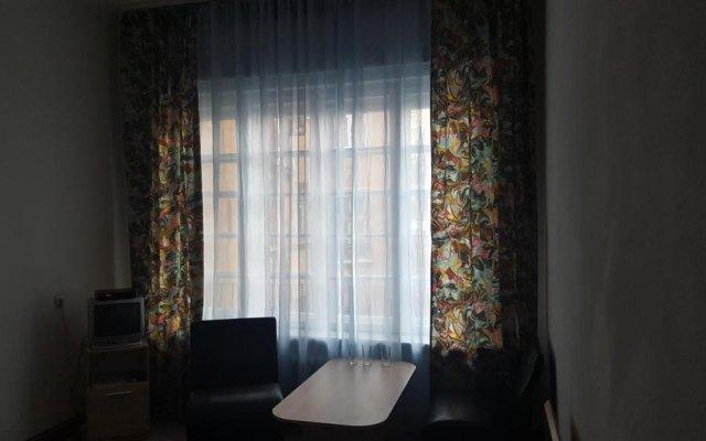 Hostel Alex 2 комната для гостей