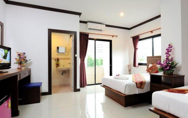 Отель Nnc Patong House комната для гостей