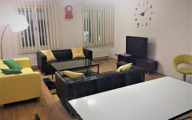 Апартаменты King Wenceslas Apartments Прага комната для гостей