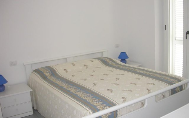 Отель Zeus Apartments Италия, Порто Реканати - отзывы, цены и фото номеров - забронировать отель Zeus Apartments онлайн комната для гостей