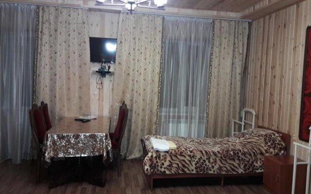 Гостиница Adel Hotel на Домбае отзывы, цены и фото номеров - забронировать гостиницу Adel Hotel онлайн Домбай комната для гостей