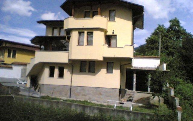 Отель Guest House Chinara вид на фасад