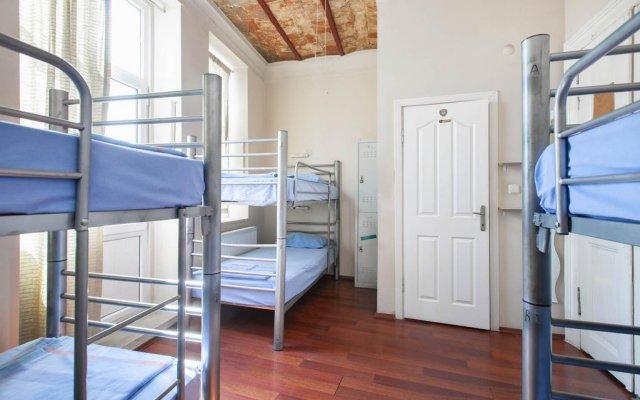 Rapunzel Hostel комната для гостей