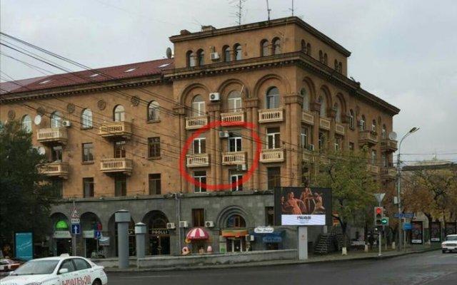 Отель Luxury Appartment at Abovyan street вид на фасад