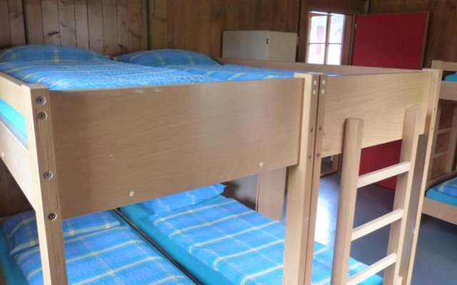 Youth Hostel Chateau-D'oex комната для гостей
