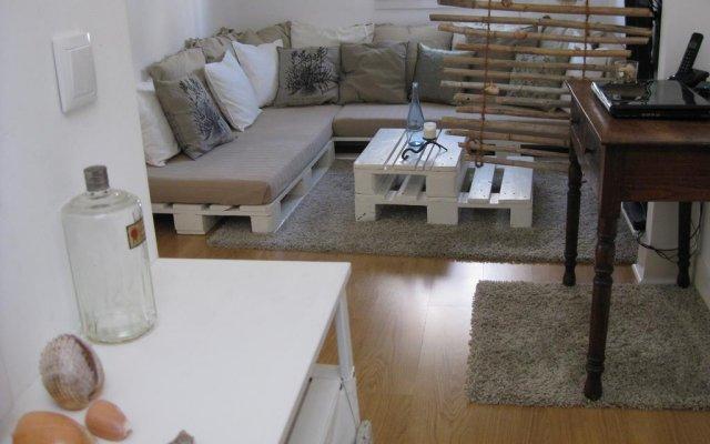 Отель Lisbon Nest комната для гостей