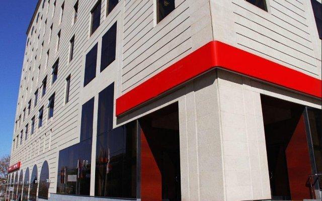 Отель Metro Aparthotel вид на фасад