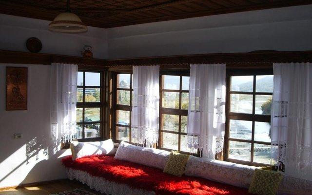 Отель Nonaj House SINCE 1720 Албания, Берат - отзывы, цены и фото номеров - забронировать отель Nonaj House SINCE 1720 онлайн комната для гостей