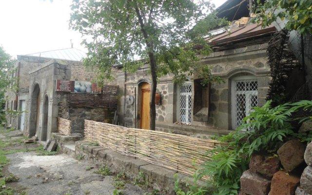 Отель Guest House on Mashtoc 47 вид на фасад