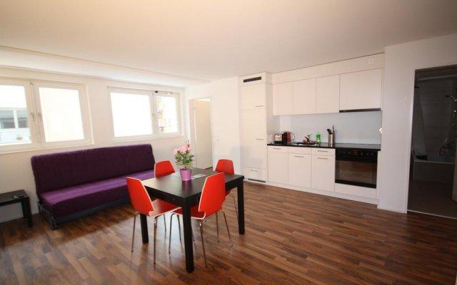 Апартаменты HITrental Badenerstrasse Apartments комната для гостей