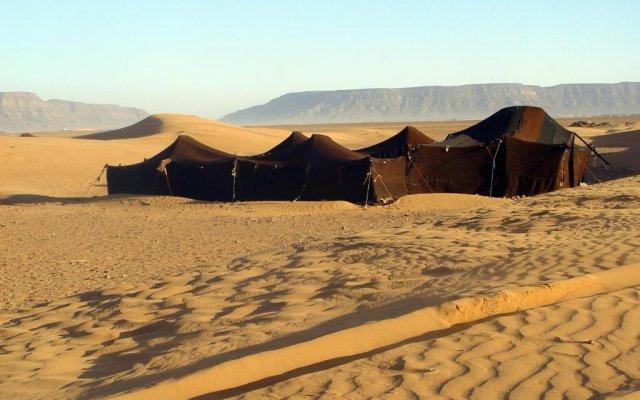 Отель Bivouac Jawhara Марокко, Мерзуга - отзывы, цены и фото номеров - забронировать отель Bivouac Jawhara онлайн парковка