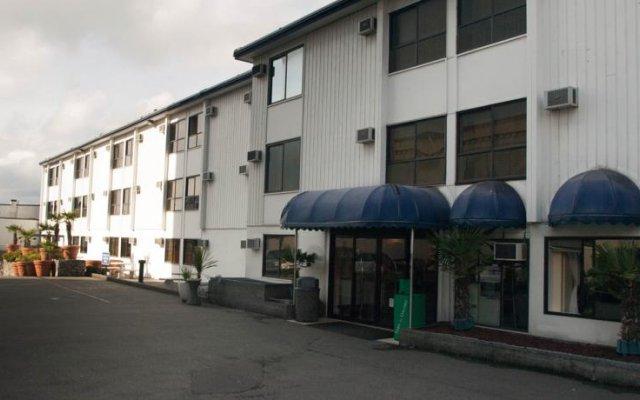 Отель Island Travel Inn Канада, Виктория - отзывы, цены и фото номеров - забронировать отель Island Travel Inn онлайн вид на фасад