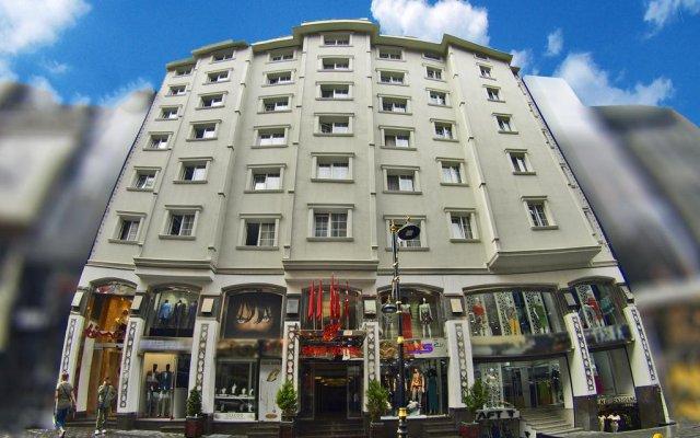 Gold Hotel вид на фасад