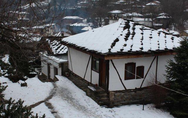 Отель Hadzhigabareva Kashta вид на фасад