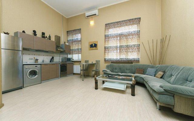 Апартаменты Luxrent apartments на Льва Толстого комната для гостей