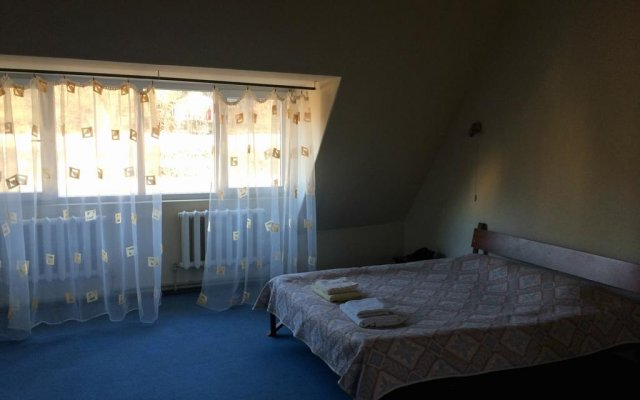Impuls Hotel Дилижан комната для гостей