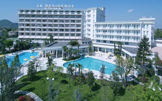 Отель La Residence & Idrokinesis® Италия, Абано-Терме - 1 отзыв об отеле, цены и фото номеров - забронировать отель La Residence & Idrokinesis® онлайн вид на фасад