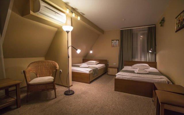 Avenu Hotel 0