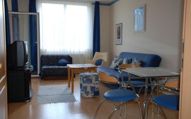 Отель RÓmai ApartmanhÁz Хевиз комната для гостей