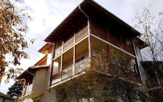 Отель Guest House Au Nature вид на фасад