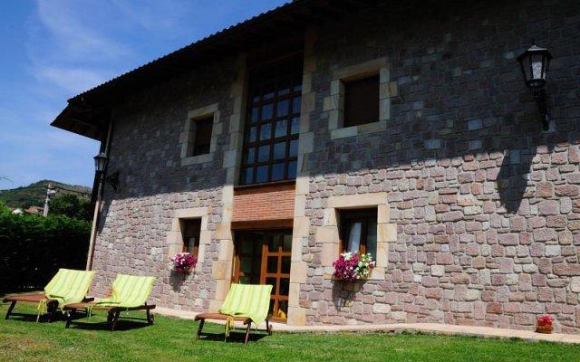 Отель Posada El Corcal De Liébana вид на фасад
