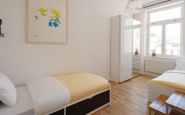 Отель Perfect Days Charles Bridge 3 комната для гостей