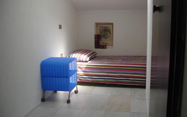 Отель Holiday House La Colombaia Парма комната для гостей