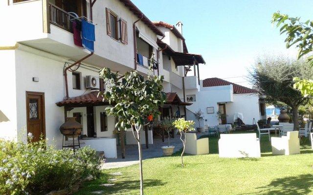 Отель Arsanas Apatrments вид на фасад