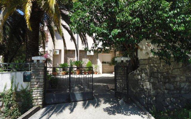 Апартаменты Apartments Anastasija вид на фасад