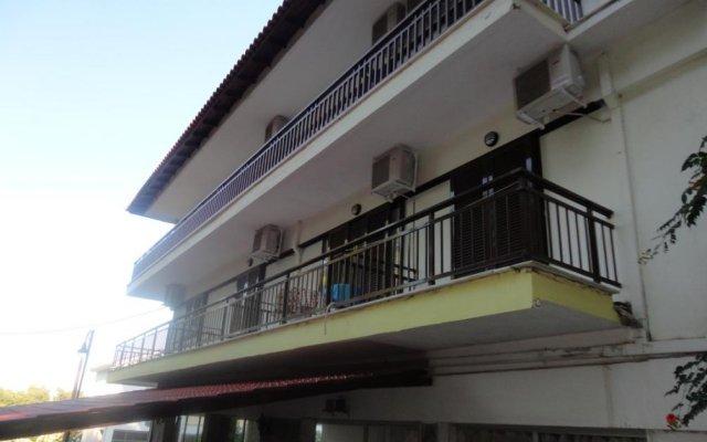 Апартаменты Chris Apartments вид на фасад