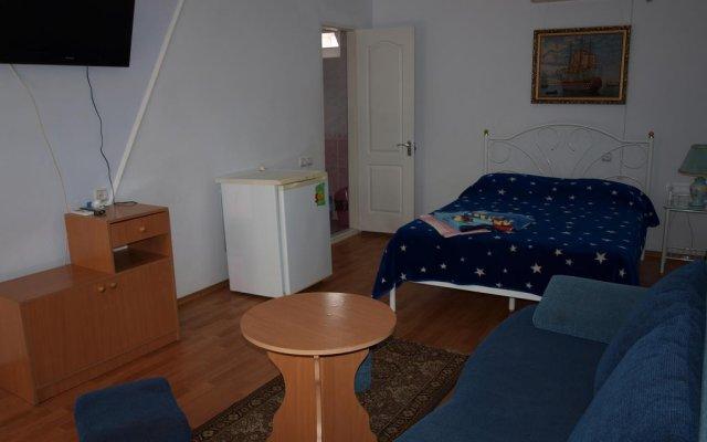 Гостиница Guest House NaAzove Украина, Бердянск - отзывы, цены и фото номеров - забронировать гостиницу Guest House NaAzove онлайн комната для гостей