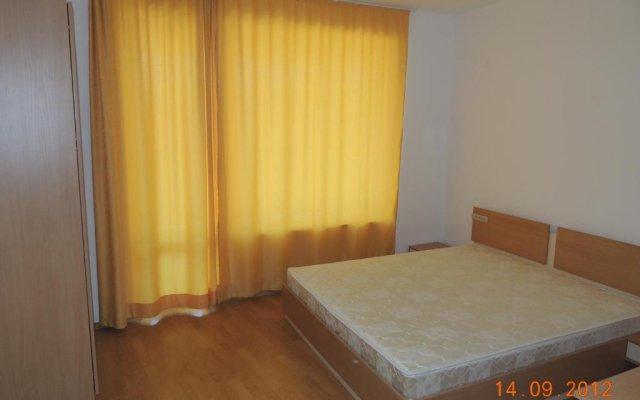 Отель Yassen VIP Apartaments комната для гостей