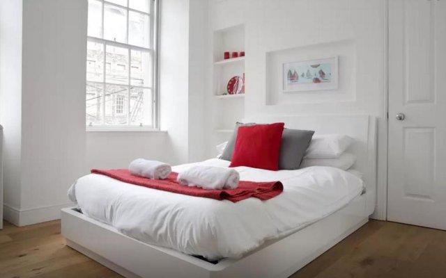 Отель Clamshell Land - Royal Mile Великобритания, Эдинбург - отзывы, цены и фото номеров - забронировать отель Clamshell Land - Royal Mile онлайн комната для гостей
