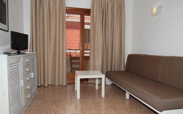 Отель Apartamentos Ripoll Ibiza комната для гостей