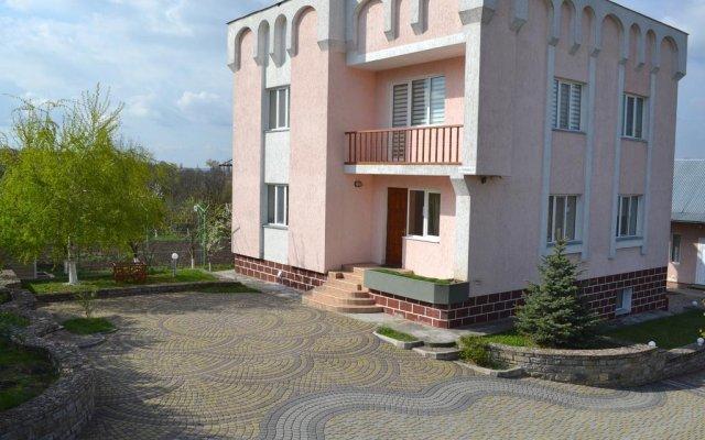 Гостиница Otdyh u Kanyona вид на фасад