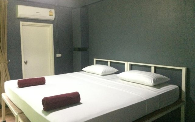 Отель Loft Suanplu Бангкок комната для гостей