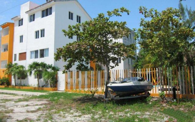 Отель Hostel Punta Sam Мексика, Плайя-Мухерес - отзывы, цены и фото номеров - забронировать отель Hostel Punta Sam онлайн вид на фасад