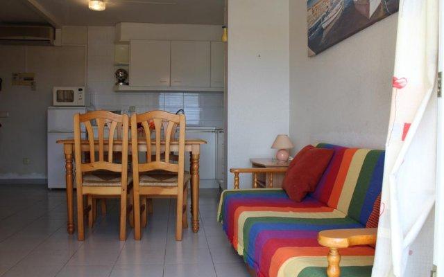 Отель Roc Mar 11B Испания, Курорт Росес - отзывы, цены и фото номеров - забронировать отель Roc Mar 11B онлайн комната для гостей