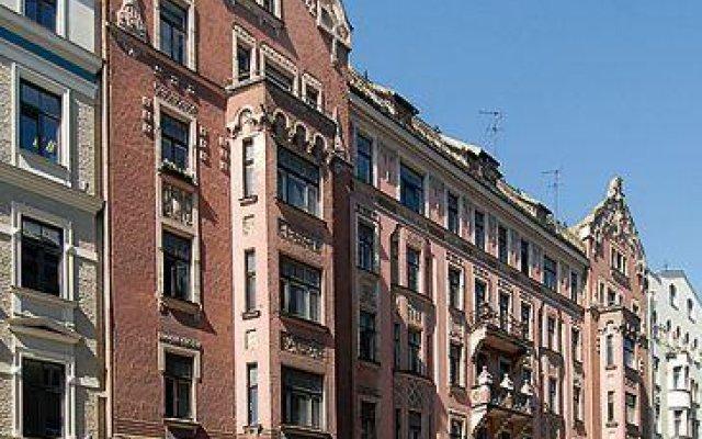 Апартаменты Julia Lacplesa Apartments вид на фасад