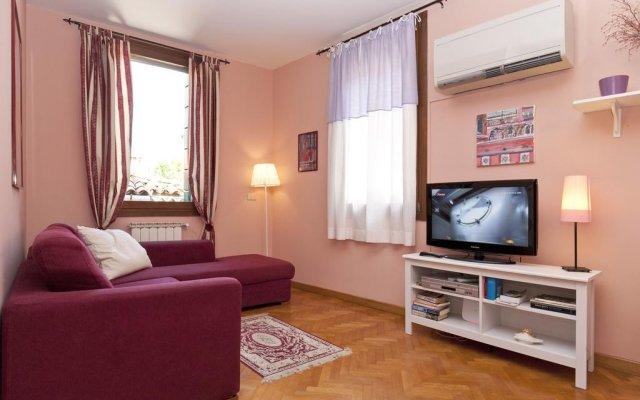 Отель Accademia Apartment Италия, Венеция - отзывы, цены и фото номеров - забронировать отель Accademia Apartment онлайн комната для гостей