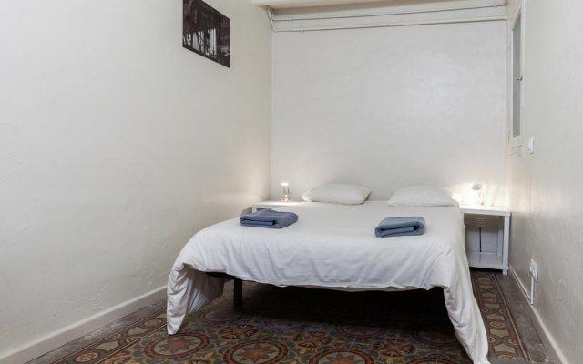 Отель Flateli Jaume Fabra Испания, Барселона - отзывы, цены и фото номеров - забронировать отель Flateli Jaume Fabra онлайн комната для гостей